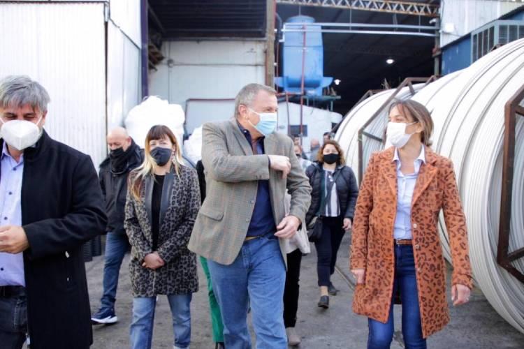 Malena Galmarini recorrió la empresa Tuboloc en Tigre