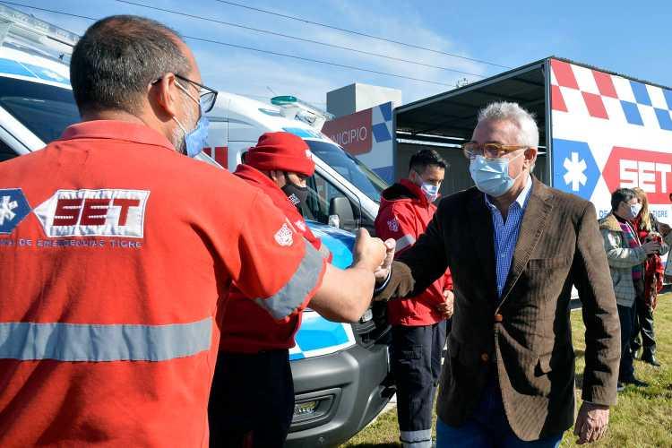 Julio Zamora presentó nuevos móviles y una base operativa del Sistema de Emergencias Tigre