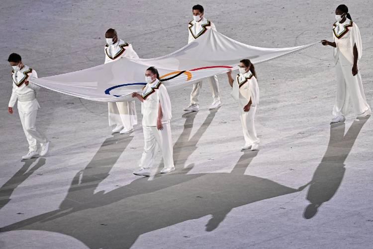 Paula Pareto fue portadora de la bandera olímpica en Tokio