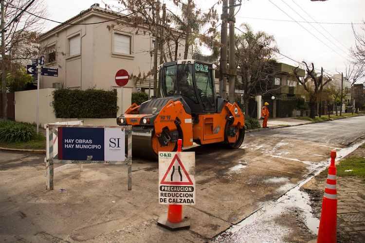 En el Bajo de San Isidro construyen más de 6.000 metros cuadrados de pavimento nuevo