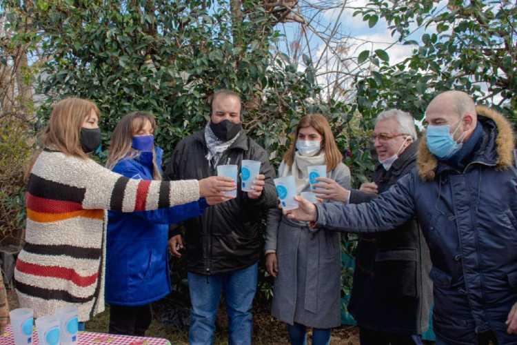 Malena Galmarini y Julio Zamora inauguraron una red de agua potable en Benavidez