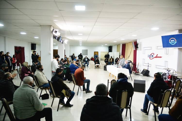 Julio Zamora mantuvo una reunión con pastores y pastoras de Iglesias Unidas de Tigre
