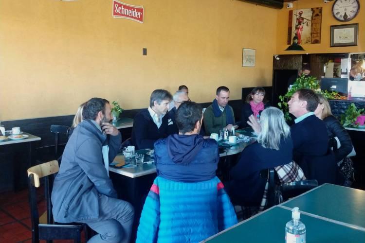 Santilli y Cernadas mantuvieron un encuentro con vecinos de Tigre