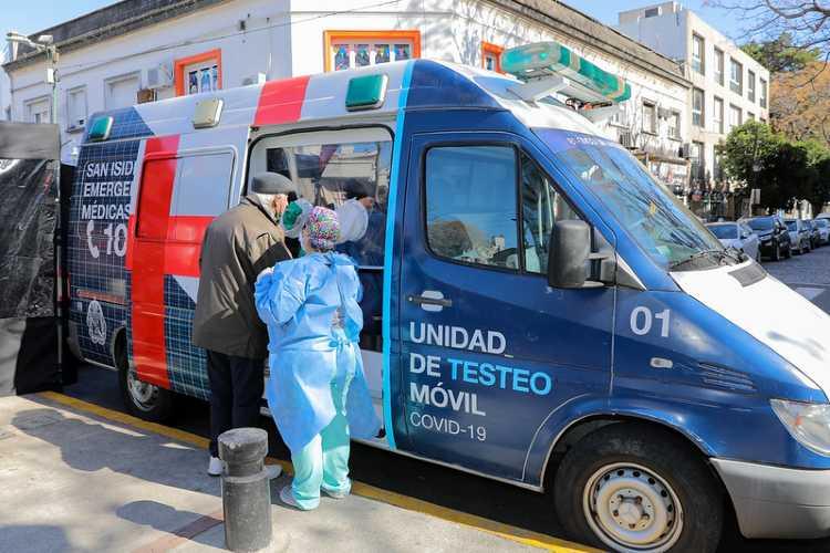 San Isidro: hisopados, test de anticuerpos y vacunación antigripal en vía pública