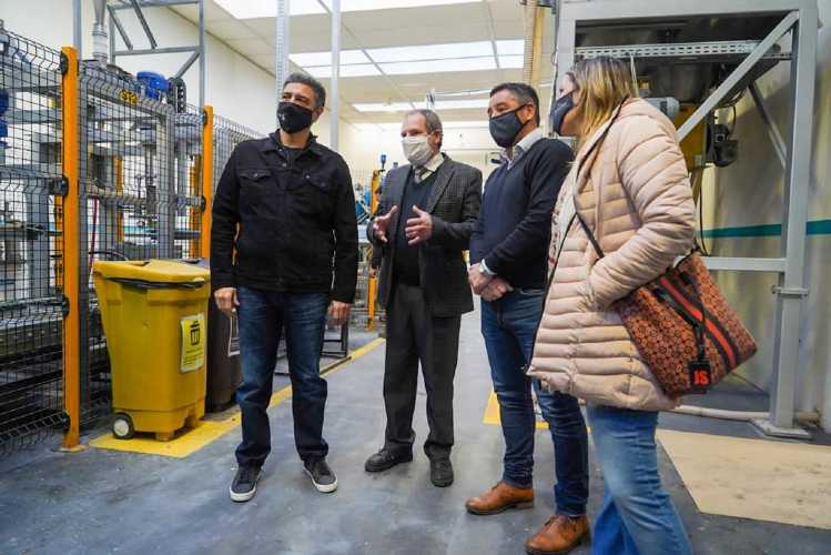 Jorge Macri junto a Andrés Petrillo visitaron una fábrica en San Martín