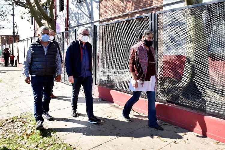 Julio Zamora monitoreó una obra de inversión municipal en la Escuela Primaria N°54 de Benavídez