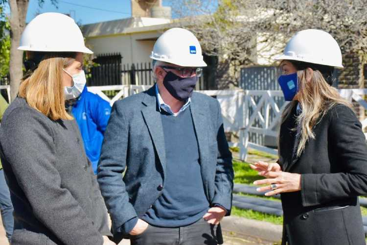 Malena Galmarini y Julio Zamora recorrieron obras de una nueva red de agua en Don Torcuato