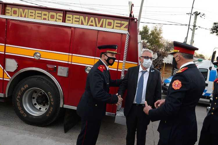 Julio Zamora inauguró una senda aeróbica en homenaje a un bombero de Benavidez fallecido por Covid