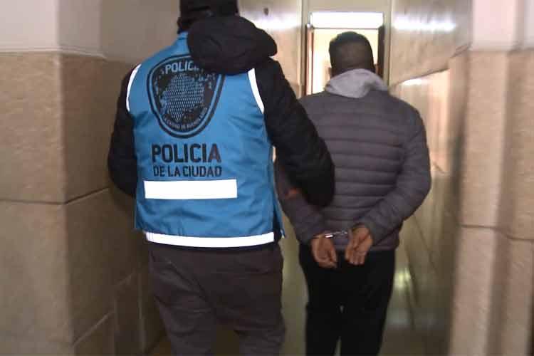 Un motochorro detenido acusado de ser parte de una banda que asaltaba en el microcentro y en Tigre