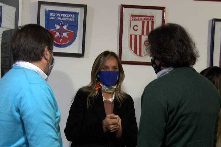Malena Galmarini y concejales del Frente de Todos se reunieron con clubes de remo de Tigre