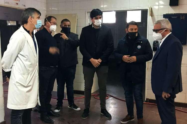 Julio Zamora recorrió el Hospital de Pacheco para verificar el avance de las reparaciones tras el incendio