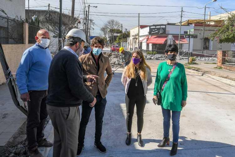 San Fernando avanza con la obra de repavimentación de la calle Rivadavia