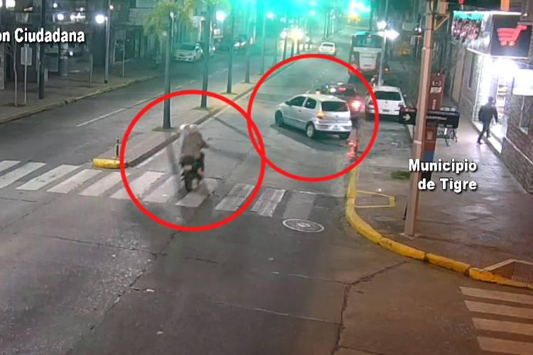 Impresionante choque de una moto en Tigre fue captado por las Cámaras