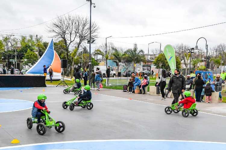 Actividades recreativas y servicios en plazas de San Fernando