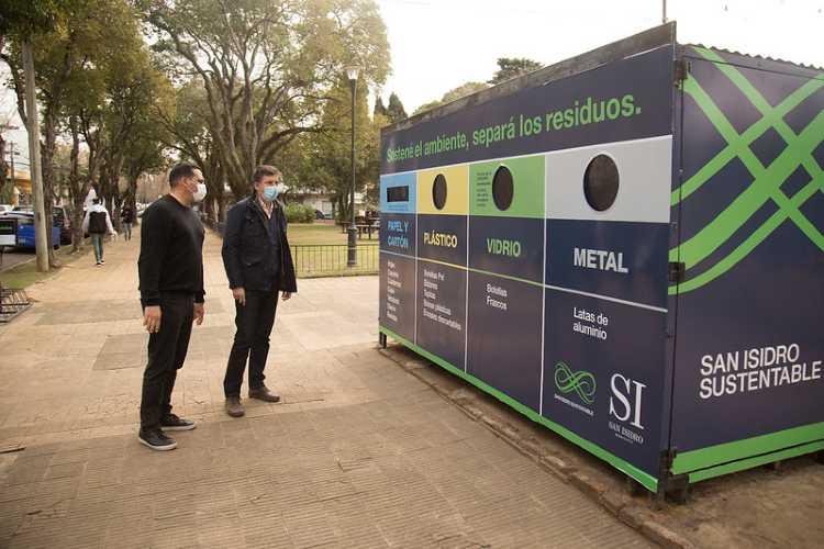 San Isidro instaló un nuevo Ecopunto para separar residuos en la plaza Castiglia