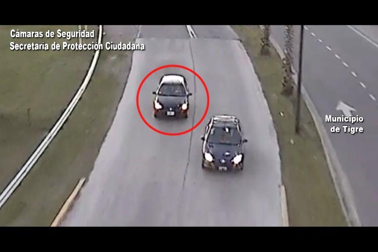 TIGRE: Dos sujetos armados detenidos a bordo de un vehículo con pedido de captura