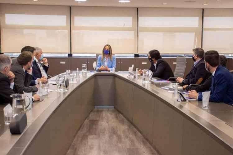 Malena Galmarini y el presidente del FONPLATA analizaron obras para 390 mil personas de barrios vulnerables