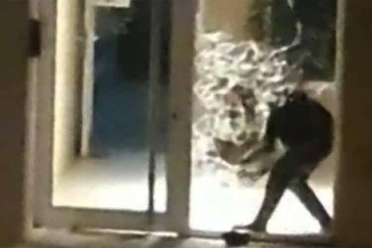 Tigre: Un hombre comenzó a disparar en su edificio del barrio PROCREAR y fue detenido