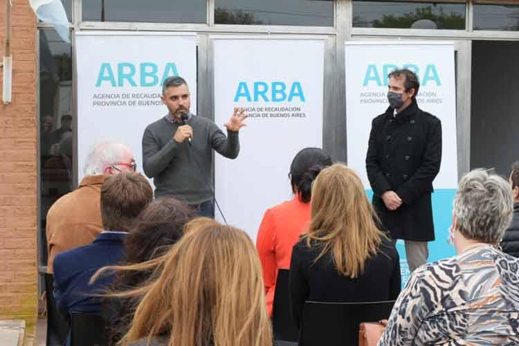 Cristian Girard, y el intendente de Adolfo Alsina, Javier Andres, reinauguraron la oficina ubicada en la localidad Rivera, que había sido cerrada en 2018