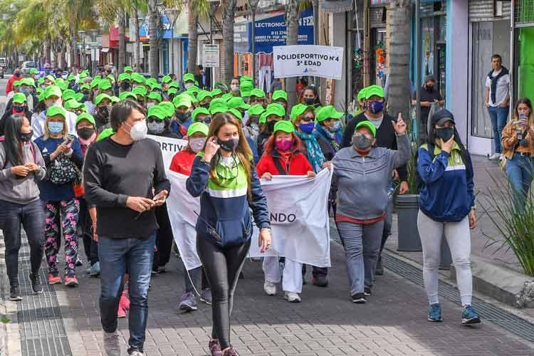 Los adultos mayores de San Fernando participaron de una Caminata Saludable