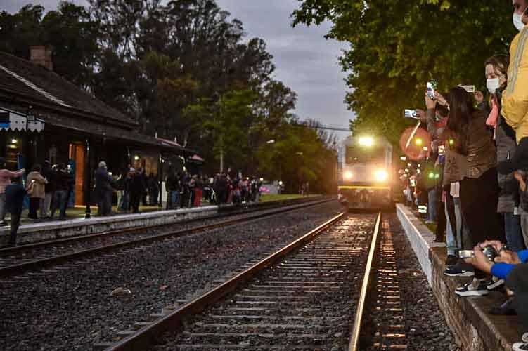 Luego de casi 30 años, el tren volvió a detenerse en Lima