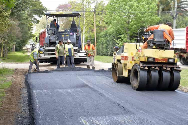 Tigre inició obras de asfalto en el barrio La Bota de Benavídez
